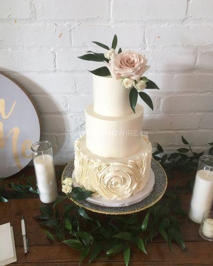 Buttercream Rose Ruffle cake