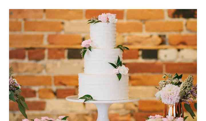 Rustic Elegant Wedding Cake