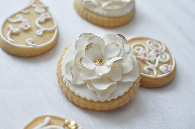 Floral decorated cookies