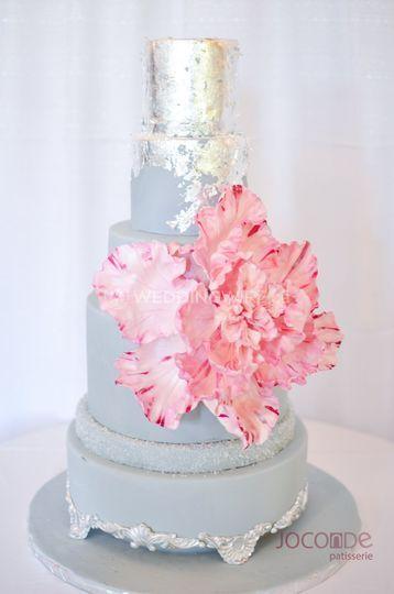 Giant sugar flower cake