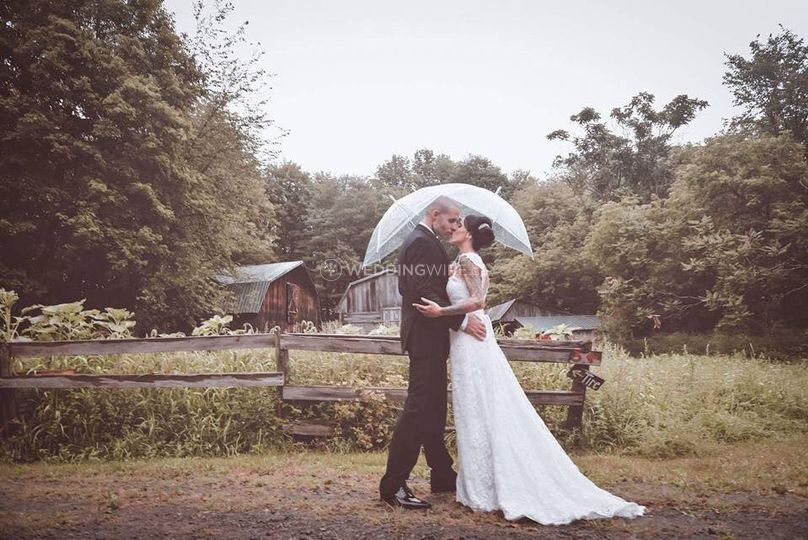 Rainy Romantic wedding