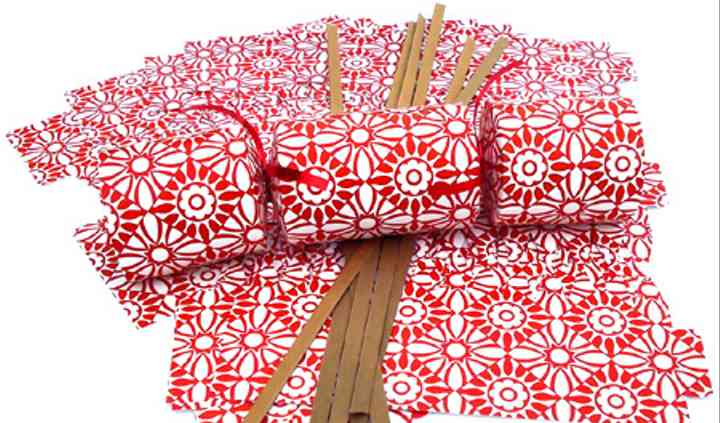 Red and White Cracker Kits