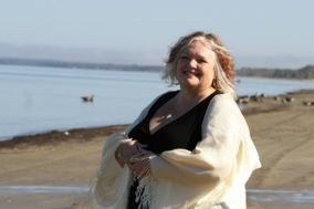 Rev. Joanne DeGasperis - 2018 Wedding/Handfasting Bookings Available
