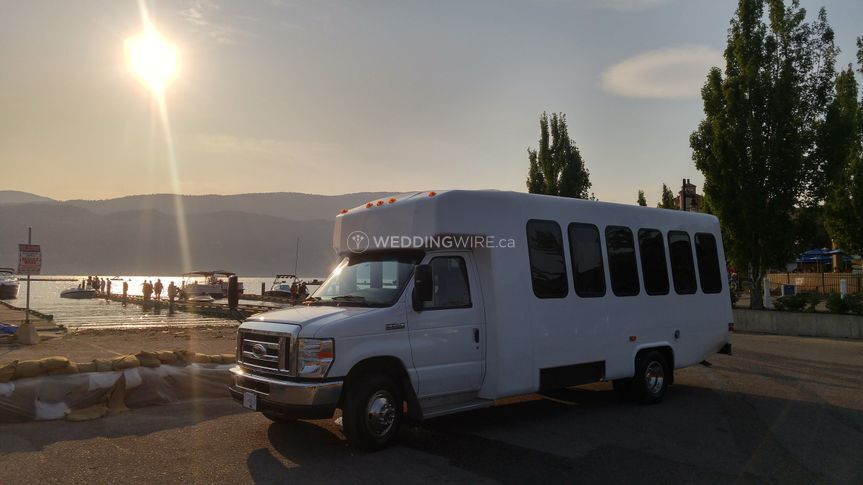 VIP Touring Coach, seats 24