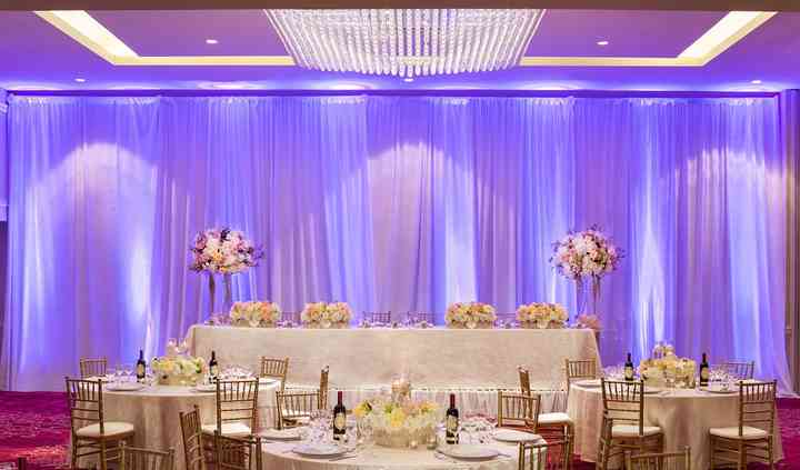 Ballroom room decor headtable