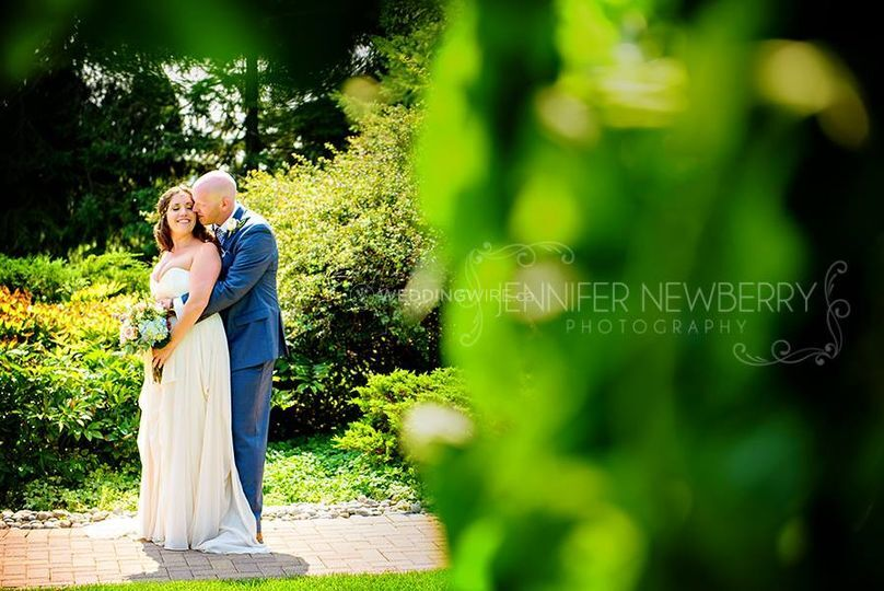 Newmarket, Ontario bride and groom