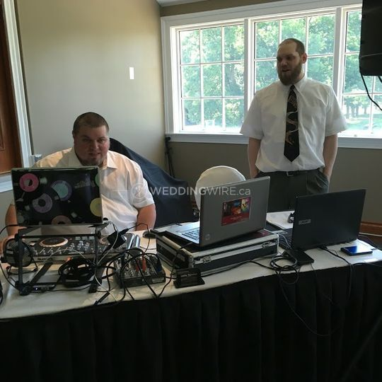 Hoddle Services DJ's