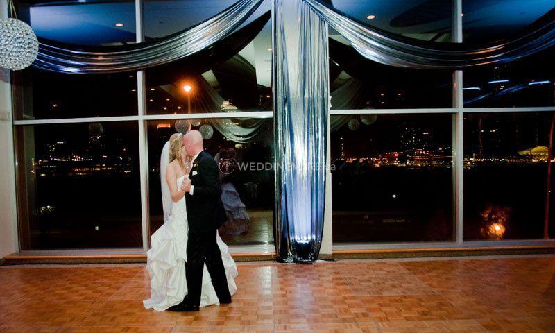2waterfront windsor ontario wedding
