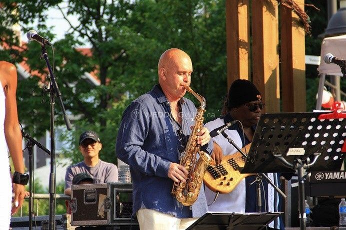 Igor with Coldjack at Blue Mountain Jazz Festival.JPG