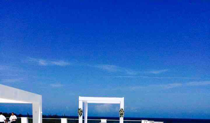 Platinum Yucatan Rooftop Wed