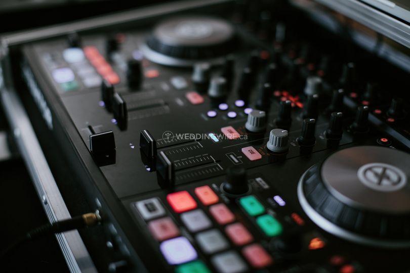 Traktor DJ Controller