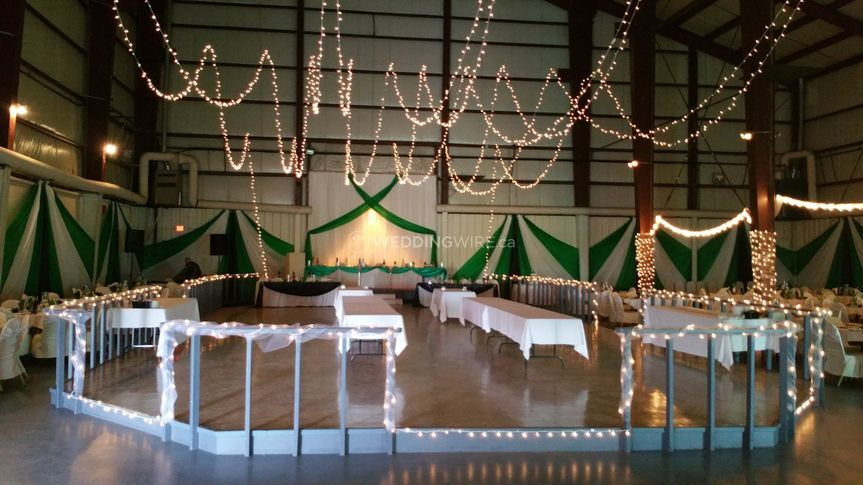 Edmonton Wedding Venue Bar B Q Acres Banquets And Catering