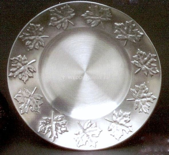 Maple leaf dish