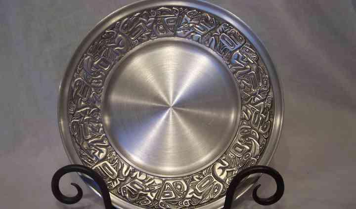 Native design plate