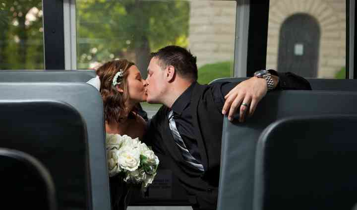 A kiss on the bus