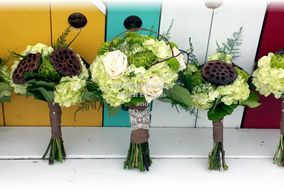 A Beautiful Bouquet Floral Designs & Decor