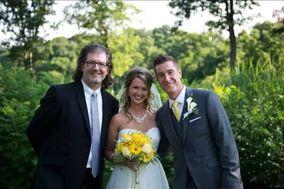 Intimate Backyard Weddings
