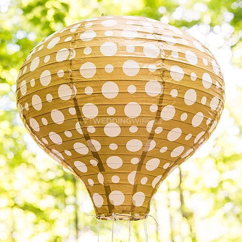 9703-45b-i_hot-air-balloon-paper-lantern-set-in-gold-and-white.jpg