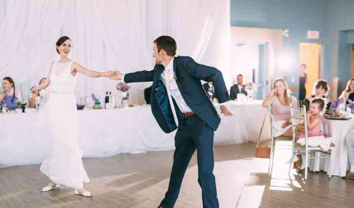 Jesse Valvasori - Wedding dance lessons