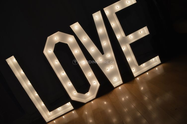 3.5ft Love Marquee Letters