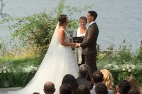 Rev. Vonnie McKelvey - Wedding officiant