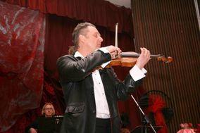 Rodion Boshoer - Violinist