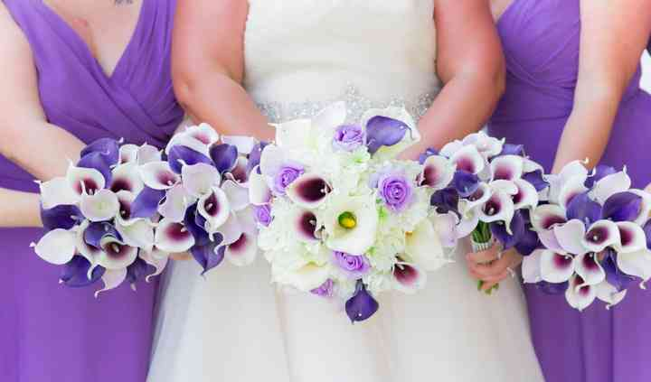 Coordinating bridesmaids