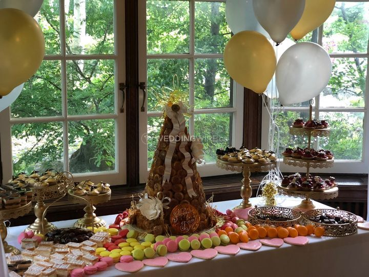 Croquembouche & Dessert table