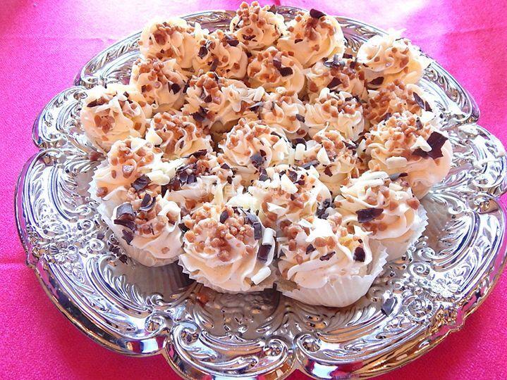 Mini cakes van.png