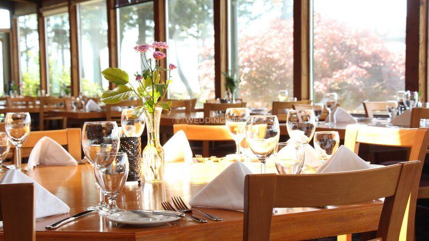 Restaurant at April Point