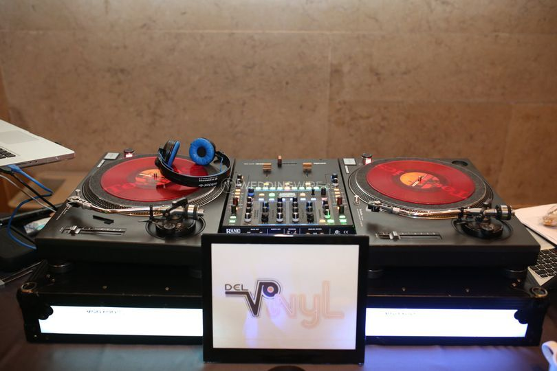 Technics 1200 Turntable set up