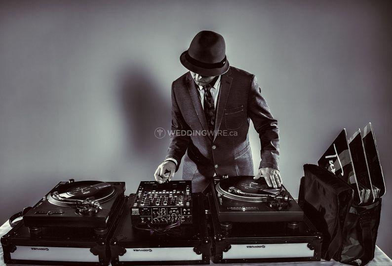 Del Vinyl Entertainment
