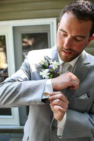 Bryan wedding cufflinks.jpg