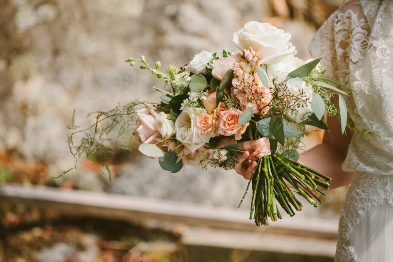 Vancouver wedding planning flowers