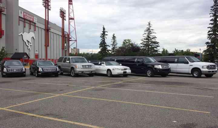 Calgary wedding limousine service