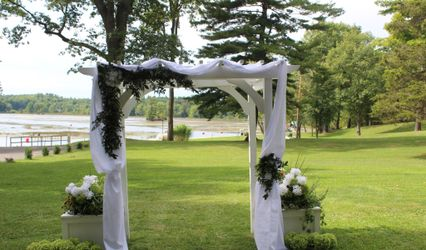 Vase and Votive Event Planning and Decorating