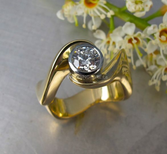 goldVancouver Wedding Ring