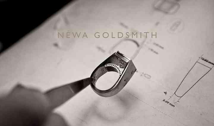 19k white modernist bezel ring