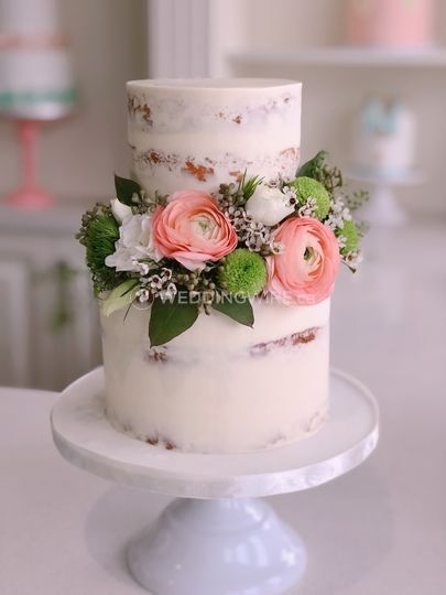 Naked cake with fresh flower