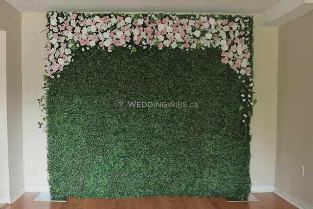 Boxwood Hedge Wall with Floral