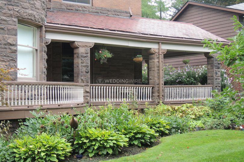 Grand curving verandah