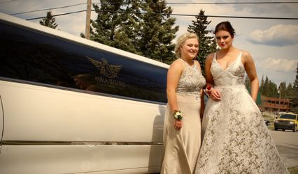 Aura Luxury Limousines