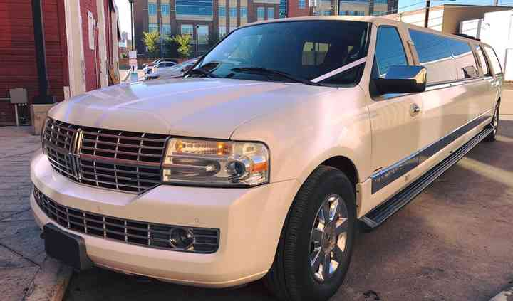 Lincoln Navigator Stretch Limo