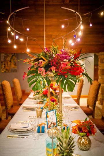 Tropical table set up