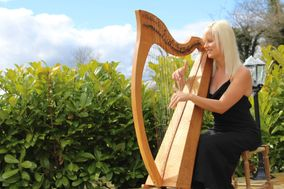 Caroline - Wedding harpist