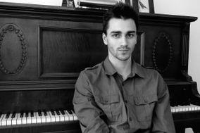 Liam Lewis-Sing - Pianist