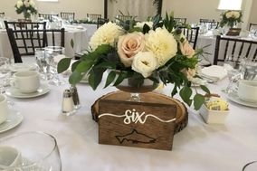 Lilacs and Lilies Events and Decor