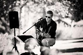 Daniel Hooft - Singer & Guitarist