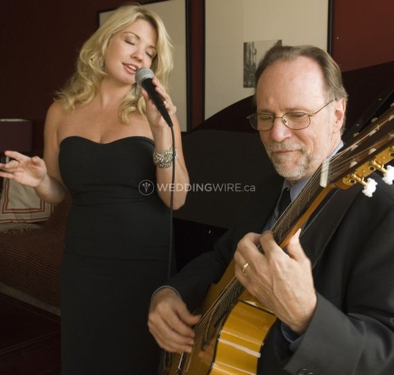 Two musicians dating