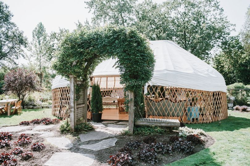 5 Discount For Weddingwire Couples From The Yurt Company